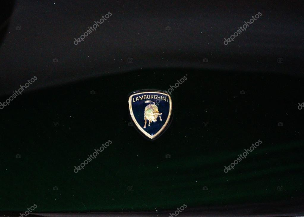 Lamborghini Embleem Redactionele Stockfoto Sanexiz 12717599