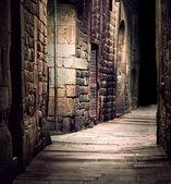 temná ulička