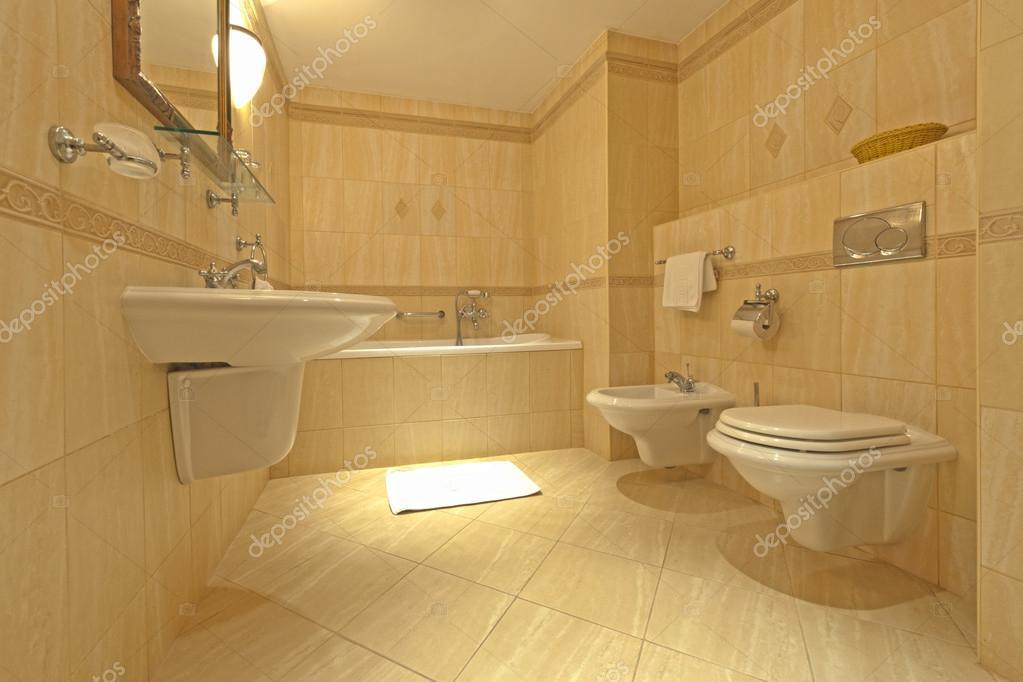 Łazienka z bidetem i wc — Zdjęcie stockowe © samumisi67 #15704965