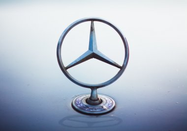 Mercedes Benz silver star logo