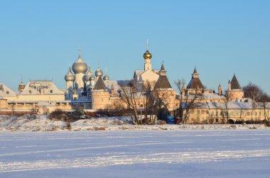 The Kremlin in Rostov in the rays of the rising sun in the winter