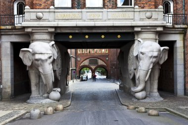 ELEPHANT GATE AT THE CARLSBERG BREWERY IN COPENHAGEN - DENMARK
