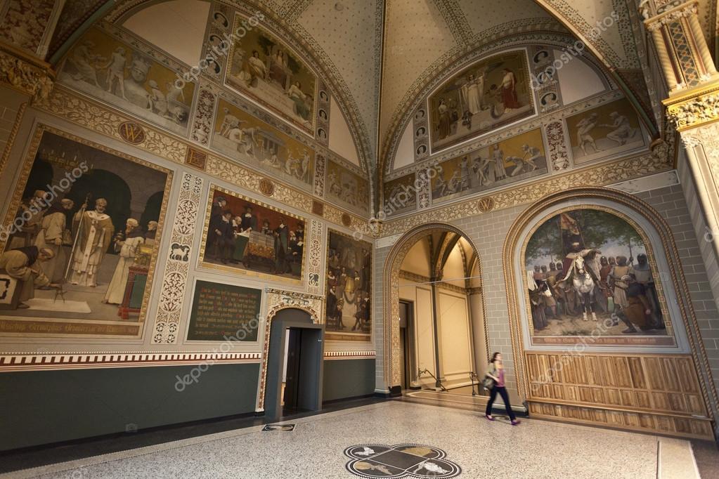 interieur van het rijksmuseum in amsterdam - Nederland ...