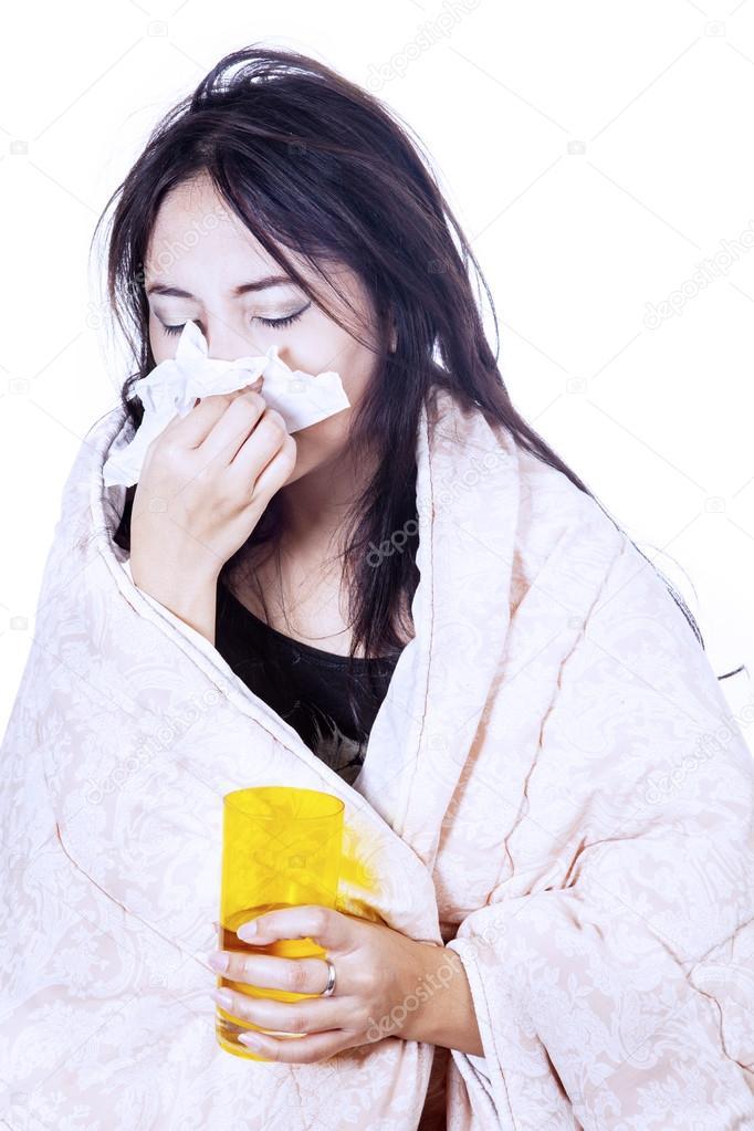 картинки чихающих и кашляющих людей нарезанным маслом