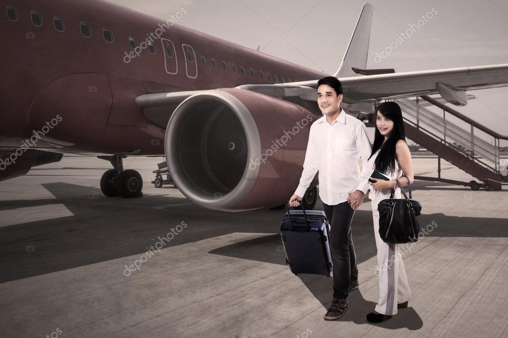 Imágenes Personas Viajando En Avion