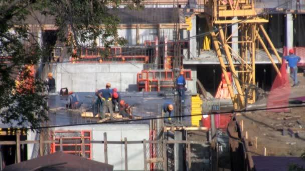 dělníci na staveništi sada bednění