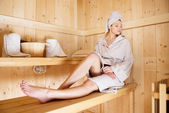 Žena relaxace v sauně