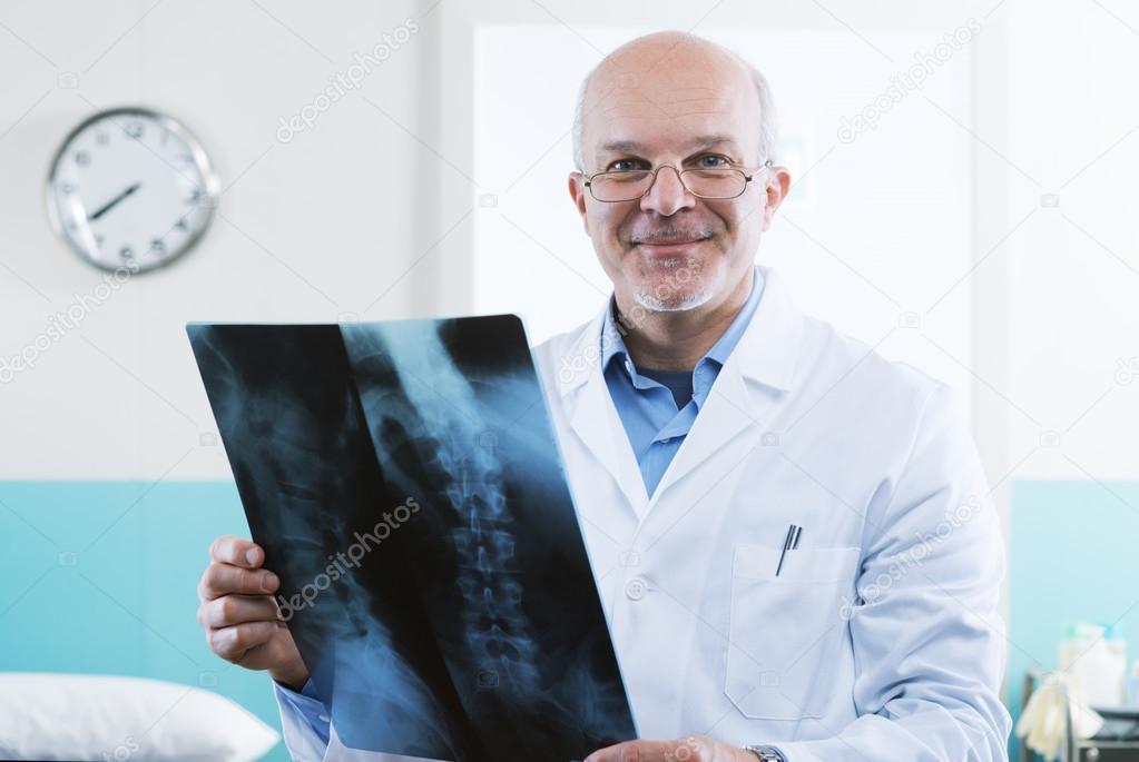 radiólogo en el trabajo — Foto de stock © stokkete #45690499