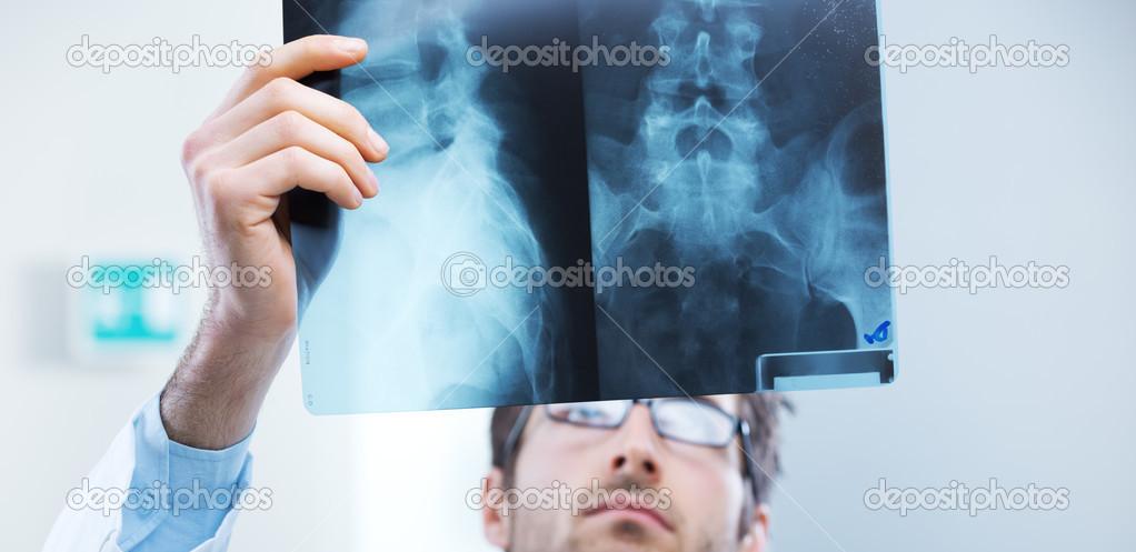 examen de radiólogo — Foto de stock © stokkete #47520511