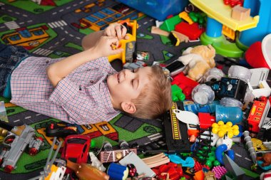 kid at home playing