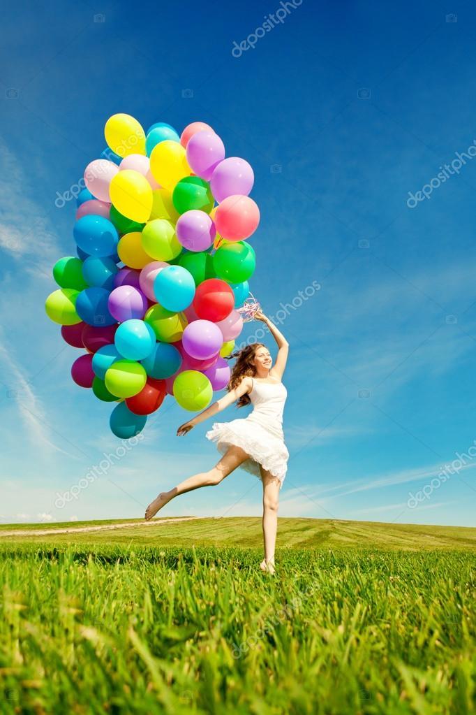 Voorkeur Gelukkige verjaardag vrouw tegen de hemel met regenboog-gekleurde  JN98