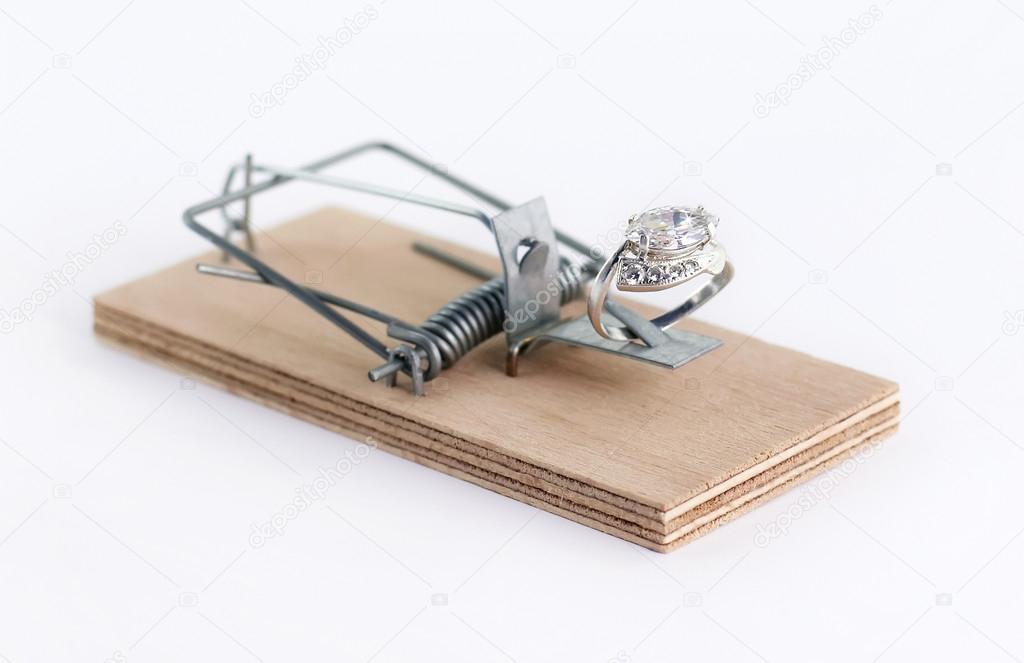 Diamond Wedding Gift Ideas: Diamond Ring Bröllopsgåva På Mus Fälla