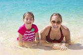 Fényképek családi nyaralás móka a strandon