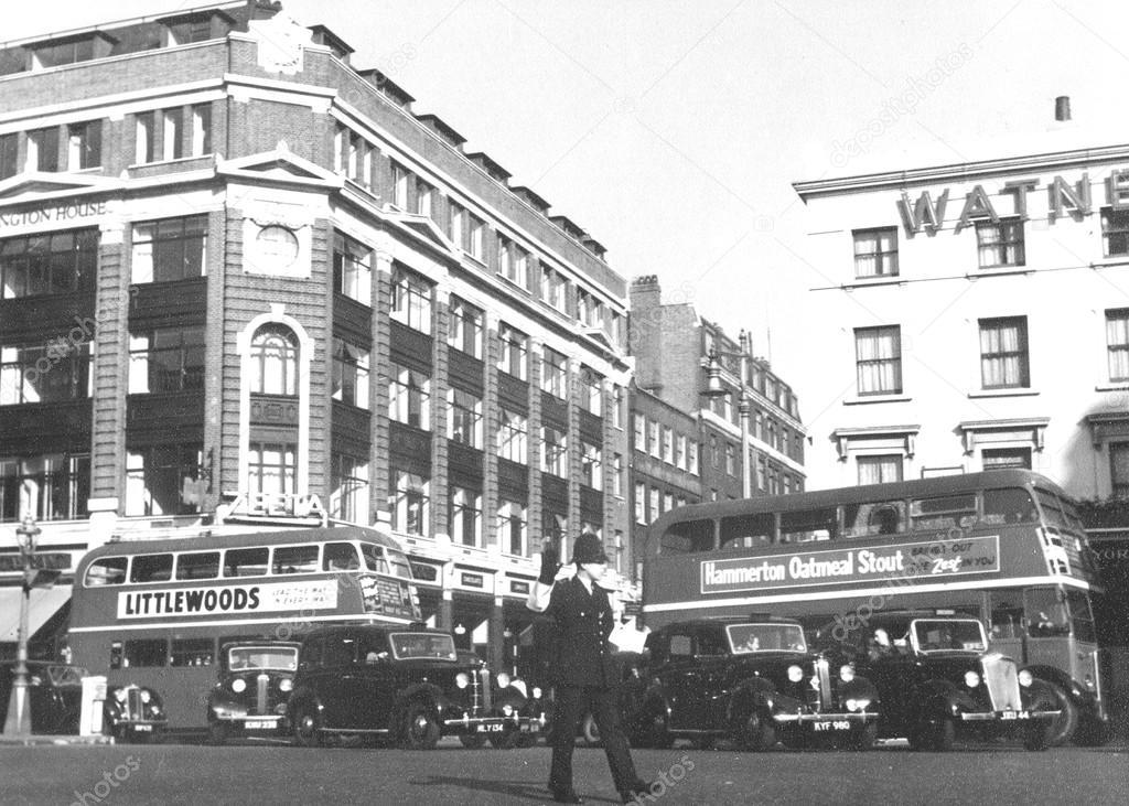 1952 年のロンドンの警官 - スト...