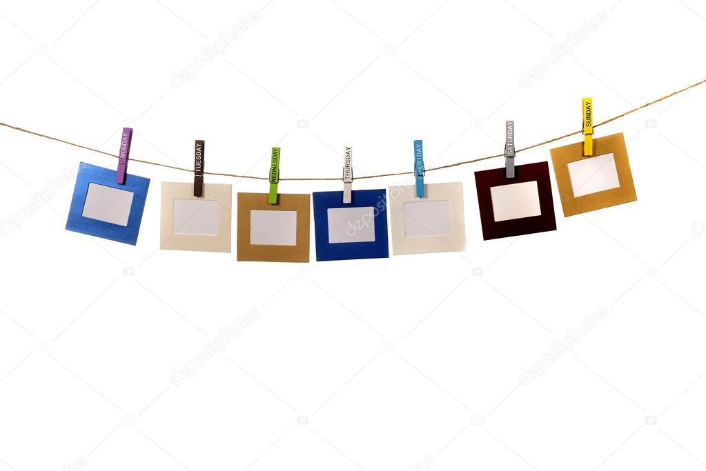 cuadros de color colgando con paños de onomástico del perno — Foto ...
