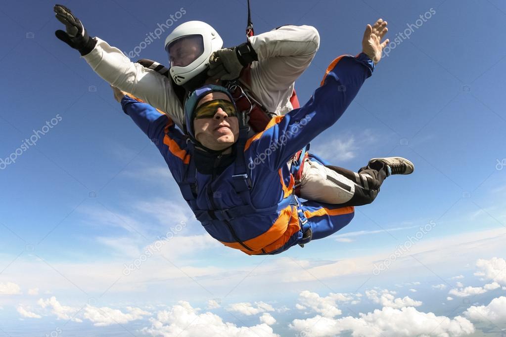 Skydiving. Tandem