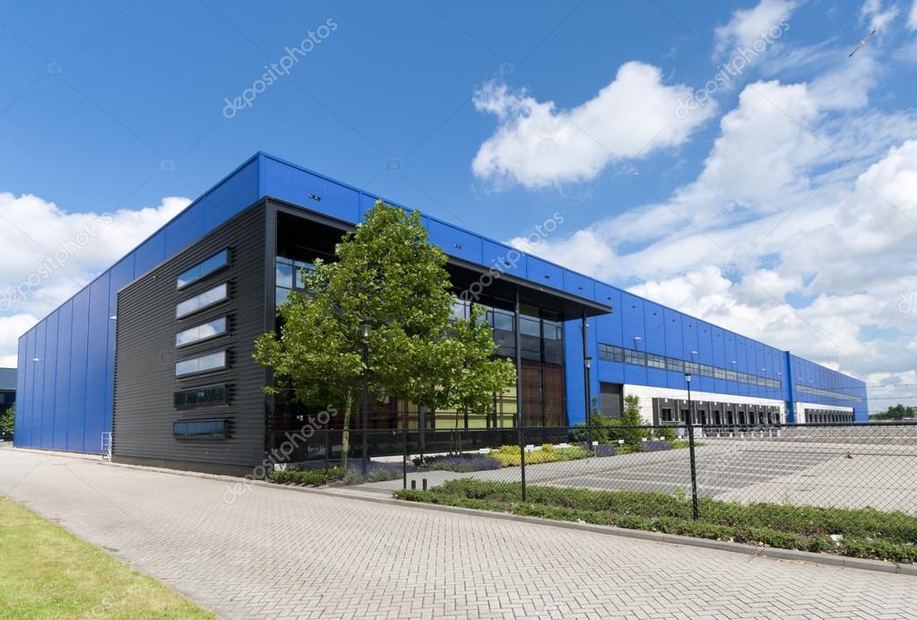 Capannone industriale foto stock hansenn 13838691 for Piani di capannone moderni