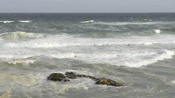 Ütköző hullámok