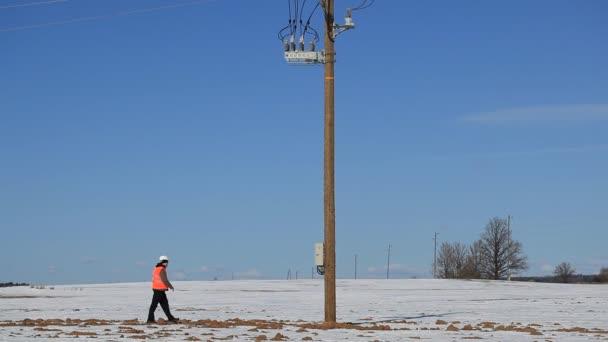elektrotechnik zkontrolovat elektrické vedení