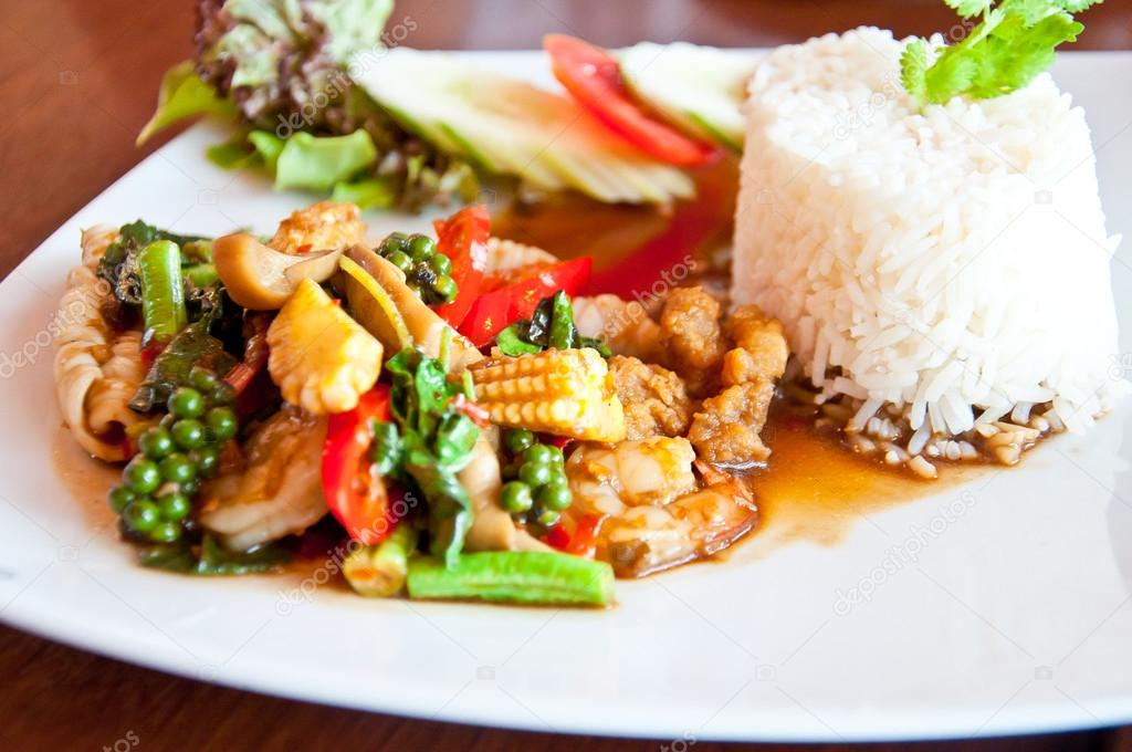 Thai food call KHAO PUD KEEMAO TA LE