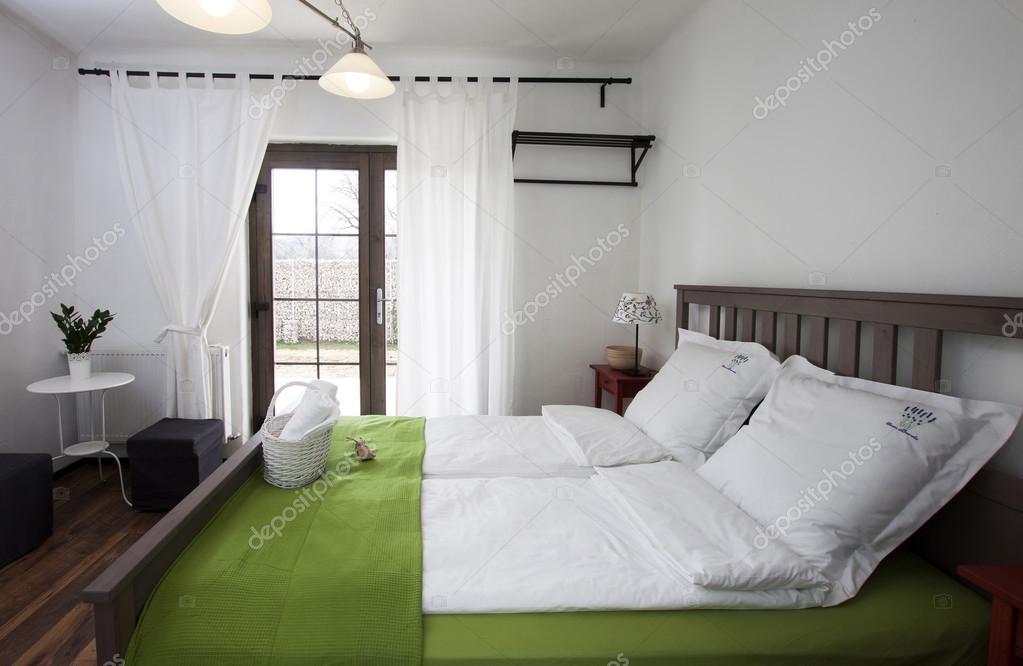 Rustikale Schlafzimmer — Stockfoto © melis82 #28746911