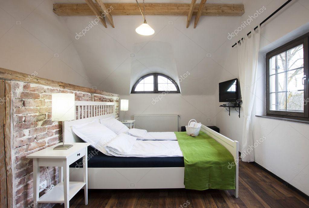 camera da letto rustica — Foto Stock © melis82 #28746959