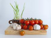 okurky a cherry rajčátky na saláty
