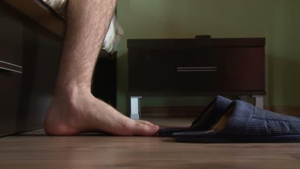 mužské nohy, vstanete, na Přezůvky