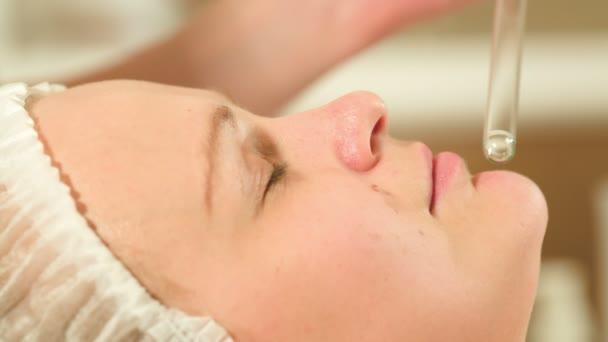 Gesichts Verfahren im Beauty Spa mit laser