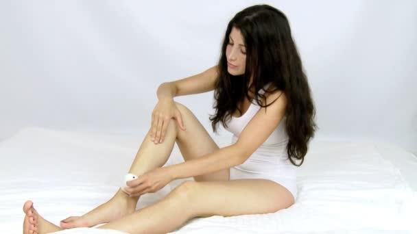 Model holení nohou