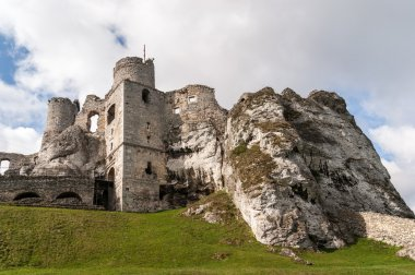Old Castle Ruins in Ogrodzieniec
