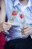 Fotografie Champagner mit Erdbeeren für zwei