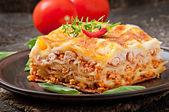 Fotografia lasagne di carne italiana
