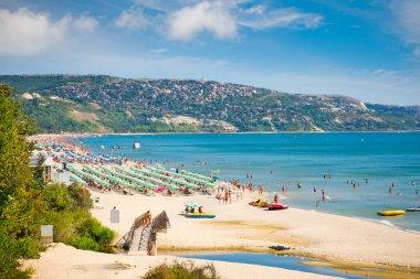Golden sands beach (Zlatni Piasci) on Black se coast in Bulgaria. stock vector