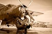 Fotografia Ritratto di bella donna pilota