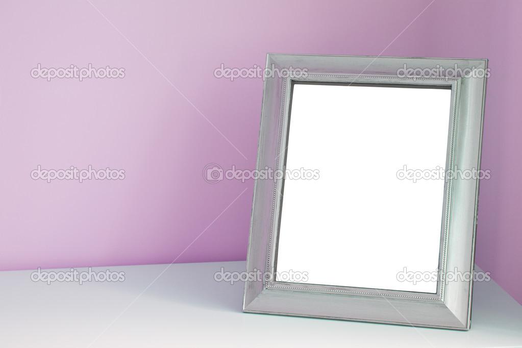 leere Bilderrahmen auf dem Schreibtisch — Stockfoto © natalt #36546981