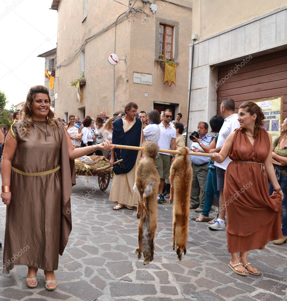 Kleidung der romischen frauen