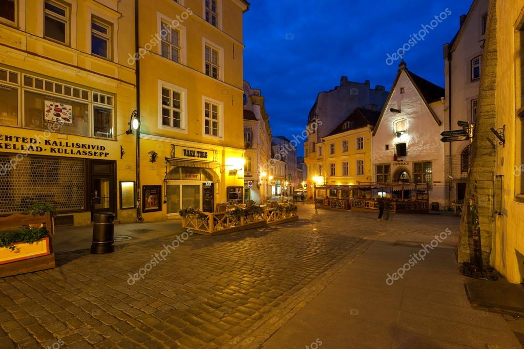 Night street in Tallinn