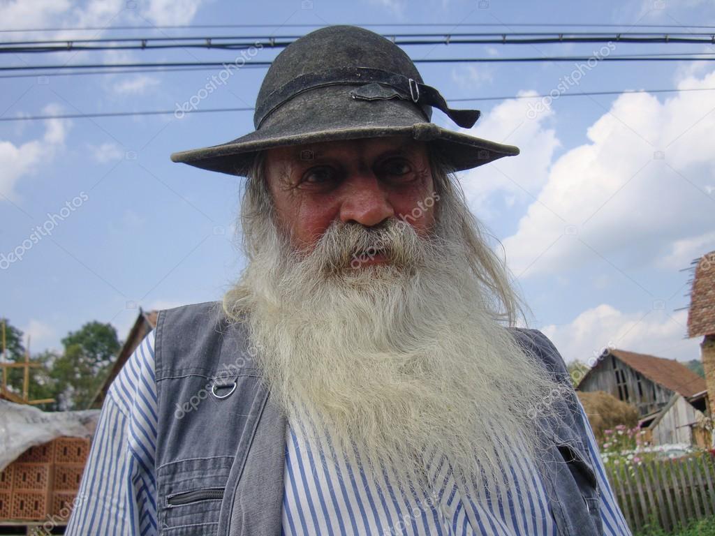 фото абхазского мудрого старика представляет себя бассейны