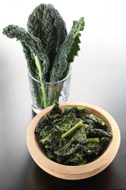 black kale chips