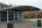Fotografie moderne Carport Garagenparkplatz