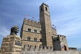 Památník dante a castello guidi dei conti v poppi