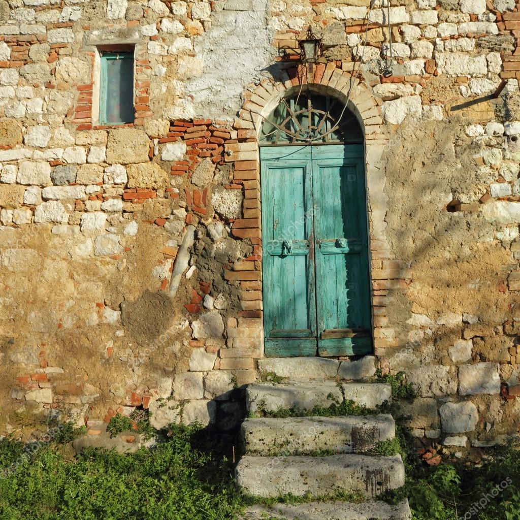 Puerta de entrada a la casa de campo toscana italia for La casa toscana tradizionale