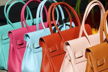 colorful leather handbags collection on florentine market, Flore