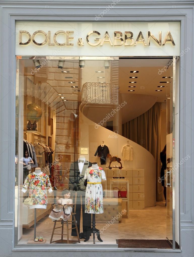 Firenze - 18 giugno  dolce   gabbana boutique a Firenze su tornabuoni via a  giugno d8cde7ab00c