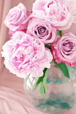 Pink flowers.