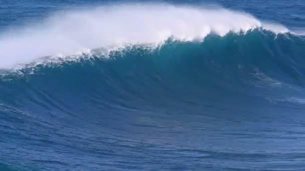 modrá vlna oceánu