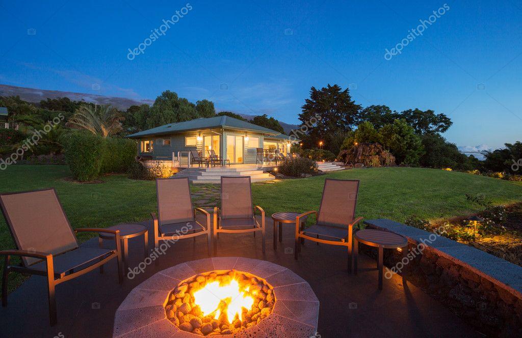 Luxury backyard fire pit