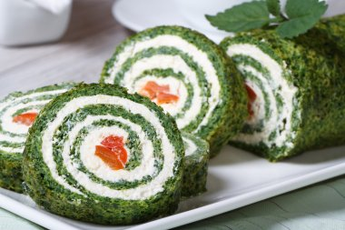 chopped green spinach roll filled and cream cheese