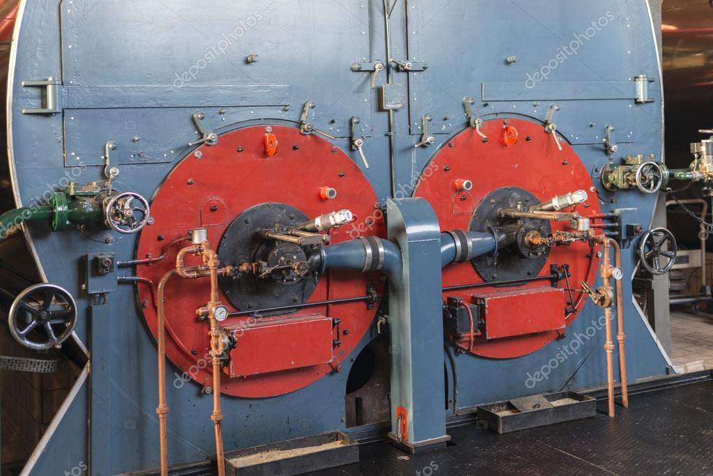 Industrielle Dampfkessel mit Ventilen — Stockfoto © compuinfoto ...